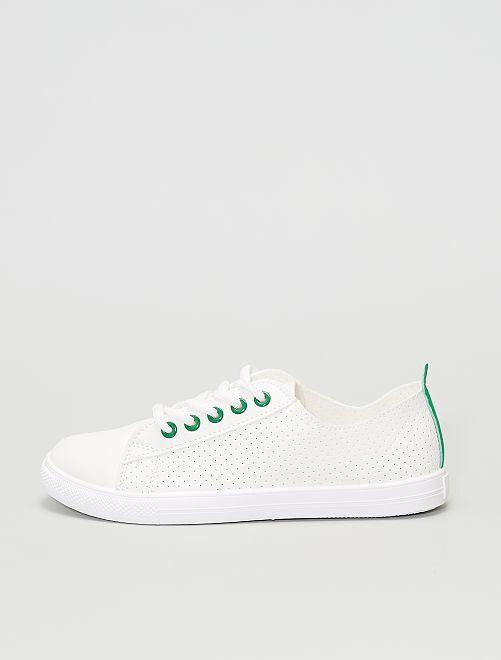 Zapatillas bajas ligeras perforadas                                         verde