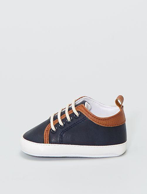 Zapatillas con cordones efecto piel                             azul