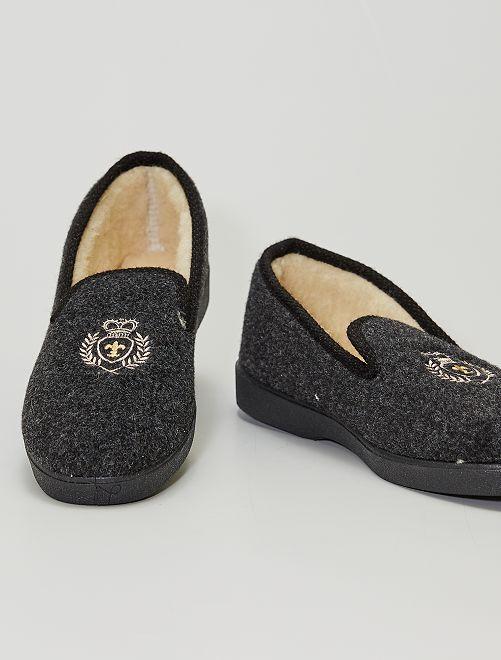 Zapatillas de casa con escudo                             NEGRO