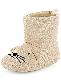 Zapatillas de casa decoradas con cabeza de gato