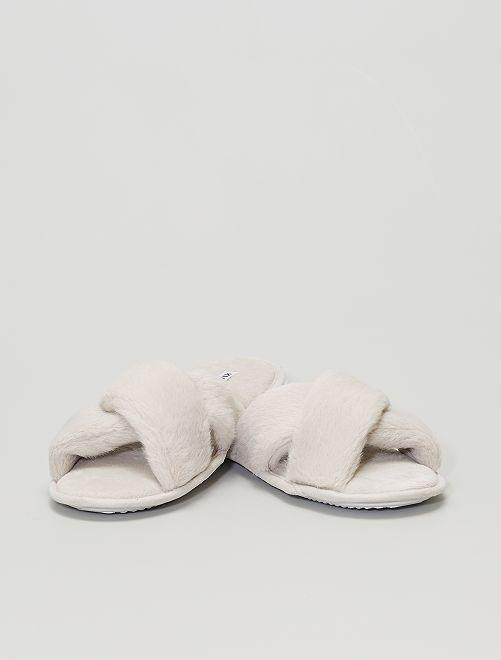 Zapatillas de casa                             GRIS