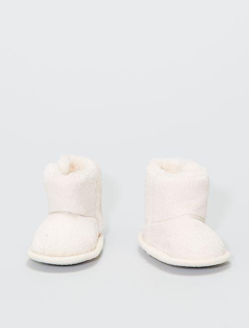 Zapatillas de casa tipo botines de punto de felpa                                                     BEIGE