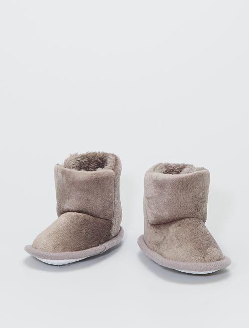 Zapatillas de casa tipo botines de punto de felpa                                                     topo