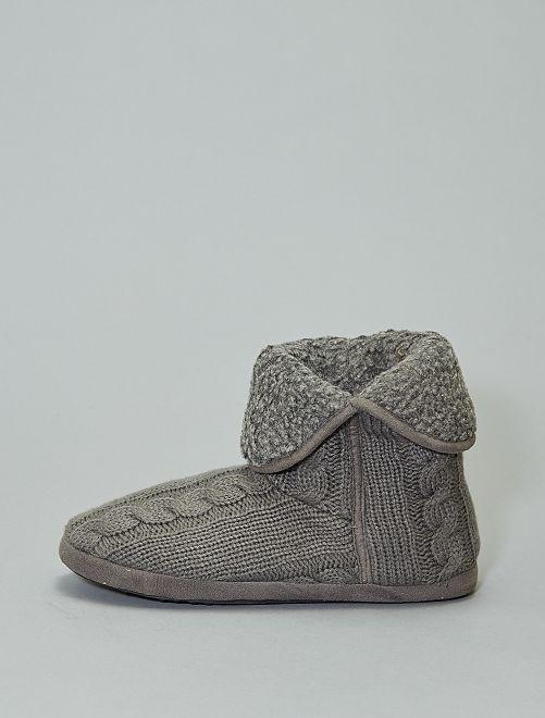 Zapatillas de casa tipo botines de punto                                         topo