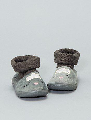 Zapatillas de casa tipo calcetines bordadas - Kiabi