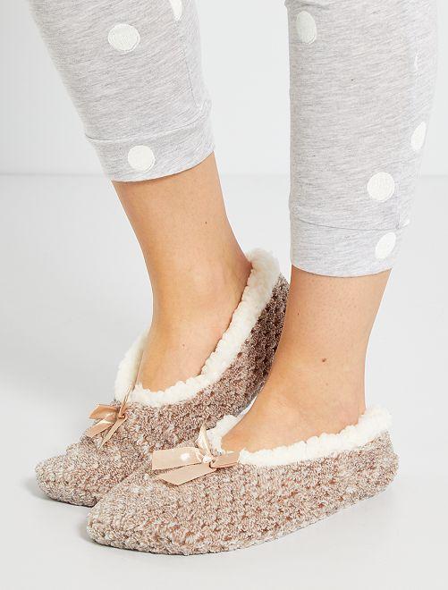 Zapatillas de casa tipo manoletinas con forro                                                     BEIGE