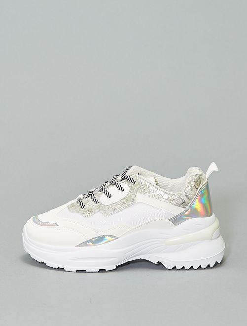 Zapatillas de suela gruesa                             blanco