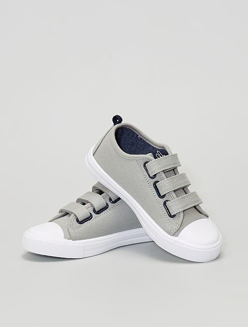 Zapatillas de tela con velcro                             gris