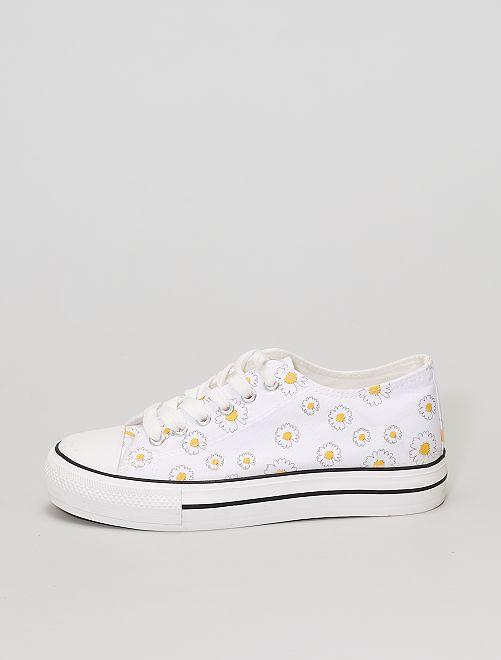 Zapatillas de tela de flores                             blanco