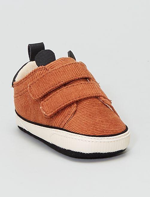 Zapatillas de terciopelo                             MARRON