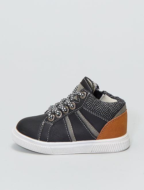 Zapatillas deportivas altas con cremallera en el lateral interior                             negro