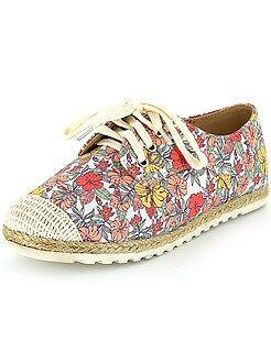 Zapatillas deportivas bajas con estampado floral