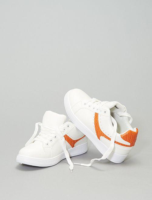 Zapatillas deportivas bajas con franjas en contraste                             naranja