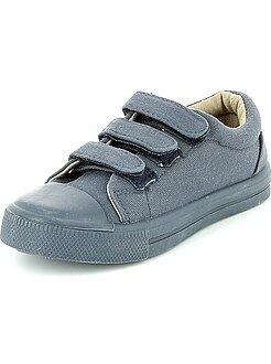 Zapatillas deportivas bajas con velcros