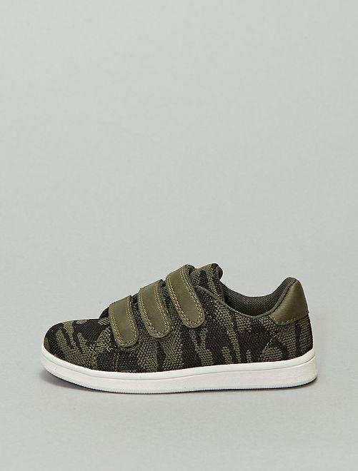 Zapatillas deportivas bajas de tela de 'camuflaje'                             caqui