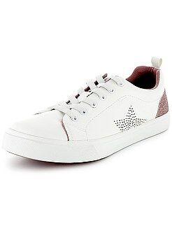 Zapatos, zapatillas - Zapatillas deportivas blancas brillantes