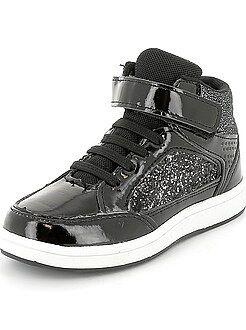 Zapatos, zapatillas - Zapatillas deportivas de piel sintética acharolada con brillos