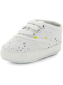 Zapatillas deportivas de tela a rayas