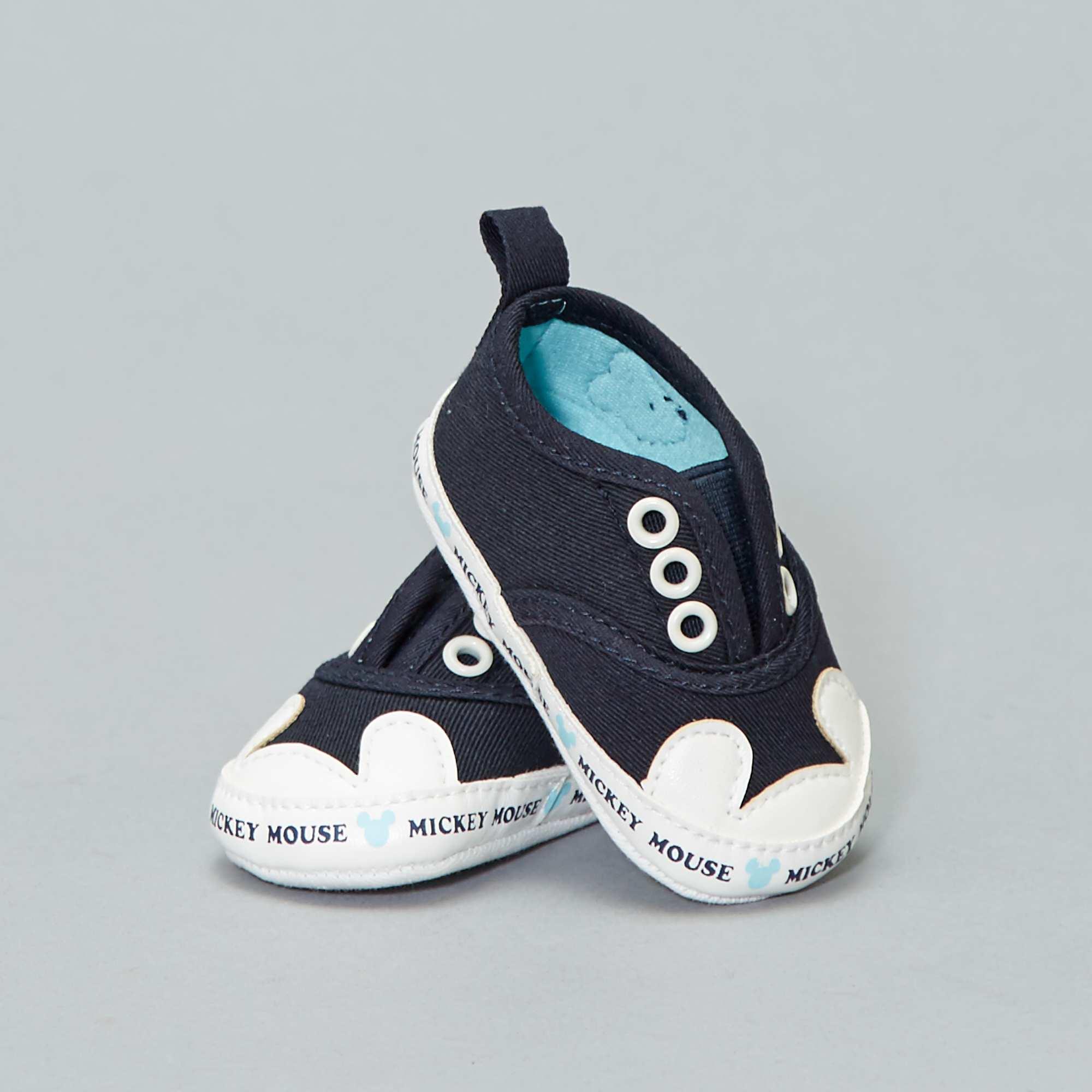 14ef0d57f Zapatillas deportivas de tela  Mickey Mouse  de  Disney  Bebé niño ...