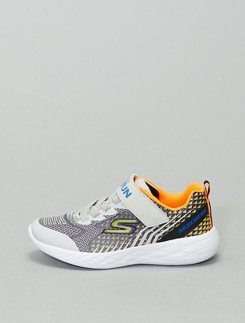Zapatillas deportivas 'Skechers'                             gris