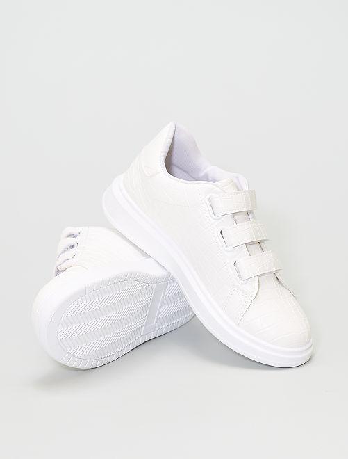 Zapatillas efecto serpiente                             blanco