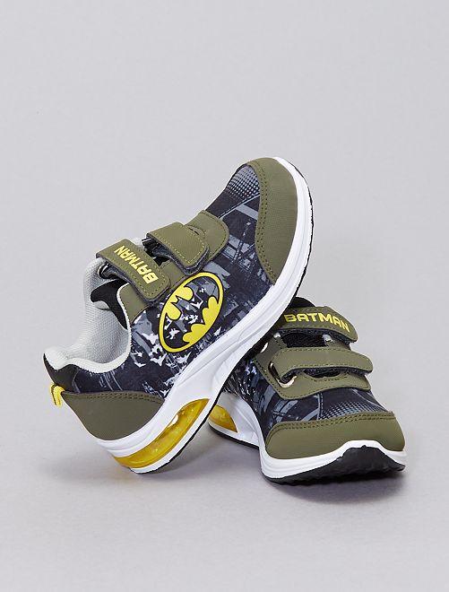Zapatillas luminosas 'Batman'                             caqui