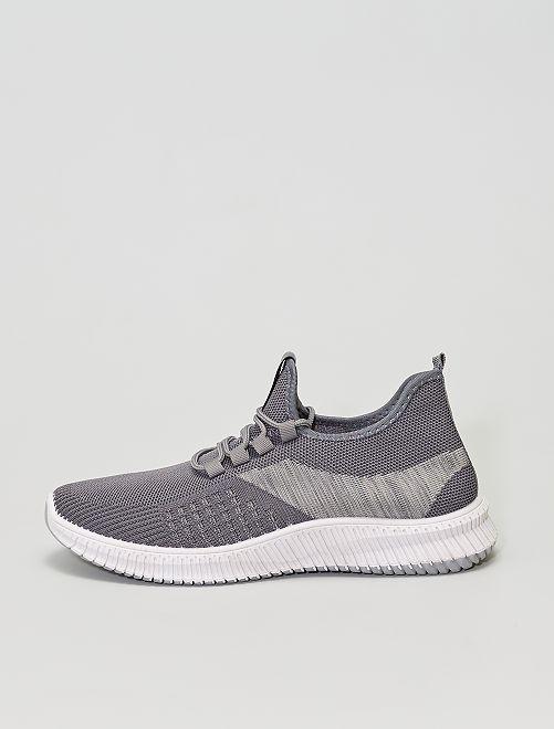 Zapatillas tipo running                             gris