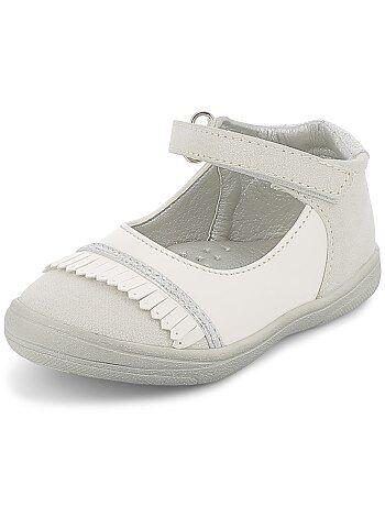 fd84384d448 Zapatos de piel sintética acharolada con fleco - Kiabi