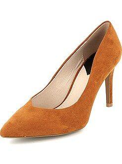 Zapatos de tacón de antelina