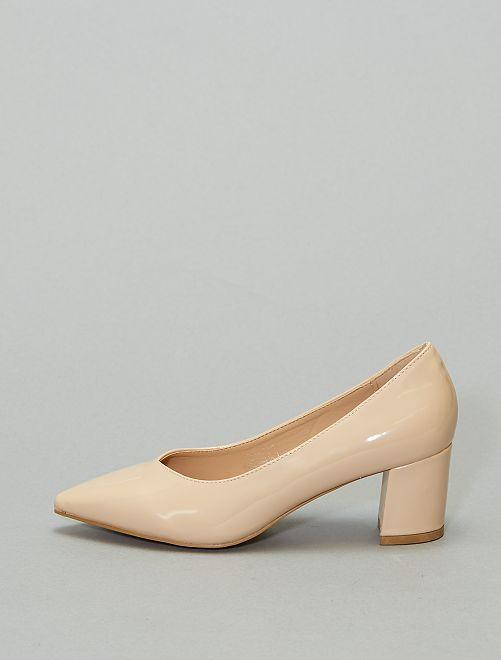 Zapatos de tacón de charol                             BEIGE