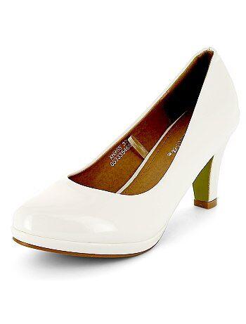 Zapatos de tacón de piel sintética acharolada - Kiabi