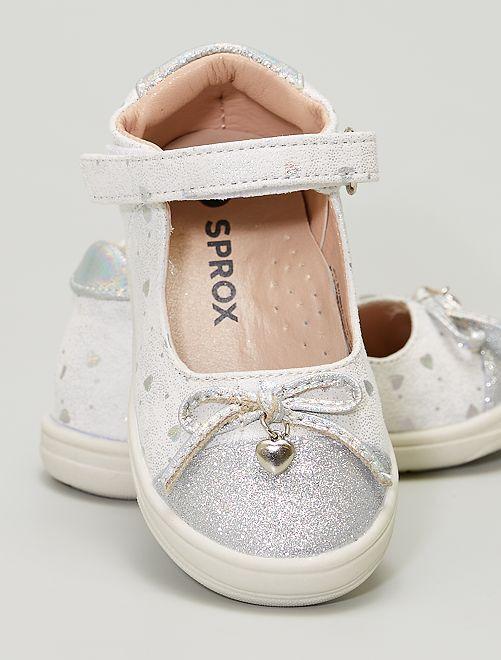 Zapatos estilo manoletinas                             plata